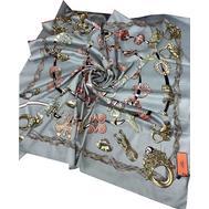 Шелковый платок HERMES серый 7106