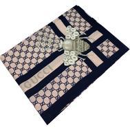 Шелковый женский платок Gucci с пчелкой синий 6045